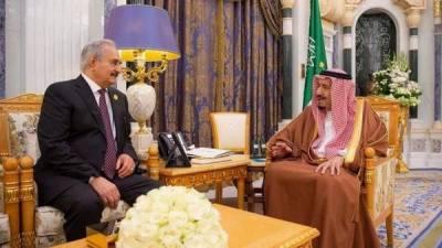 سعودی شاہ سلمان سے مشرقی لیبیا میں قومی فوج کے کمانڈر جنرل خلیفہ حفتر کی ملاقات