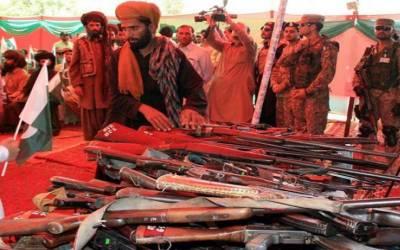 کوئٹہ میں کالعدم تنظیموں کے پچاس فراریوں تین کمانڈرز نے ہتھیار ڈال کر قومی دھارے میں شمولیت کا اعلان