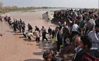 ایران سیلاب سے 76 ہلاکتیں ، ہزاروں بے گھر، 14 ہزار کلومیٹر طویل شاہراہیں تباہ