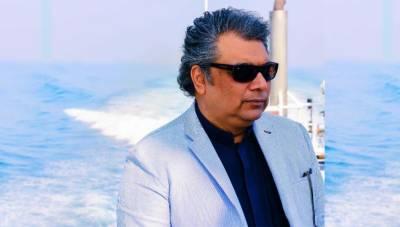 کراچی میں روزانہ ساڑھے500ملین گیلن گندا پانی اور 7 ہزار ٹن سالڈ ویسٹ سمندر میں پھینکا جارہا ہے۔ علی زیدی