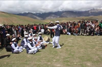 چترال میں دو ہزار سال پرانا ثقافتی میلہ جشن قاقلشٹ کا آغاز