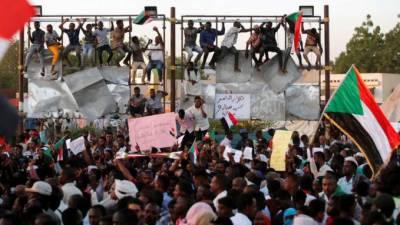 سوڈان میں احتجاجی رہنمائوں نے فوجی حکمرانوں کے ساتھ مذاکرات معطل کردیئے