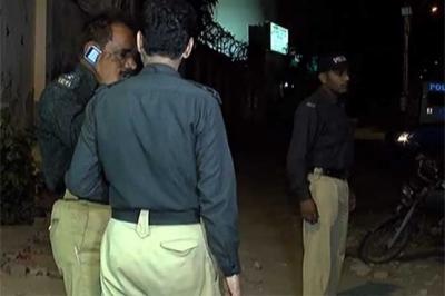 کراچی: اورنگی ٹاؤن میں تہرا قتل، گھر سے ماں اور 2 بچوں کی لاشیں برآمد