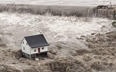 کینیڈا میں سیلاب ایک ہزار گھر بہا لے گیا، 2 ہزار افراد نقل مکانی پر مجبور