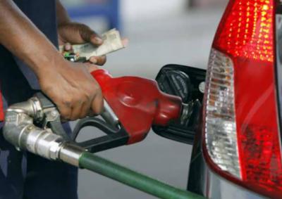 پیٹرولیم مصنوعات کی قیمتوں میں پھر 3 سے 5روپے اضافے کا امکان