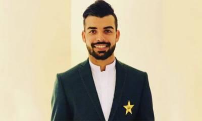 شاداب خان علاج کے لیے لندن روانہ، جمعہ کو ڈاکٹر چیک اپ کریں گے۔