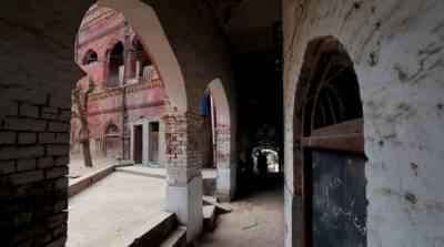 لاہور کے 52 اسکولوں کی عمارتیں خستہ حال قرار