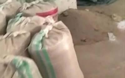 کشمور کندھکوٹ: نیب کا سرکاری گوداموں پر چھاپہ، 1 ارب 20 کروڑ روپے کی گندم غائب