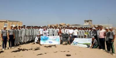 پاک بحریہ اور ڈاﺅیونیورسٹی نے منوڑہ میں ساحل سمندر کی صفائی اور شجرکاری مہم کا انعقاد کیا