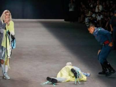 برازیل میں کیٹ واک کے دوران ماڈل ریمپ پر گر کر ہلاک