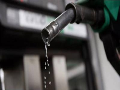پیٹرول کی فی لیٹر قیمت میں 14 روپے 37 پیسے اضافے کا امکان