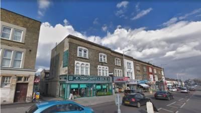 لندن:مسجد میں نماز تراویح کے دوران مسلح شخص کا حملہ ناکام