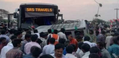 بھارت: ٹریفک حادثے میں 15افراد ہلاک , چھ زخمی