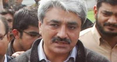 پیراگون ہاؤسنگ اسکینڈل کیس: سلمان رفیق احتساب عدالت میں پیش
