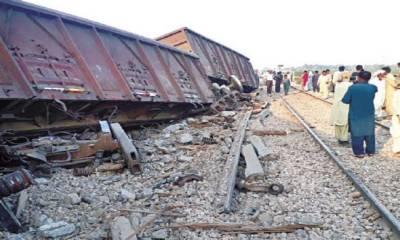 پڈعیدن میں مال گاڑی پٹری سے اتر گئی،ریلوے ٹریک بند