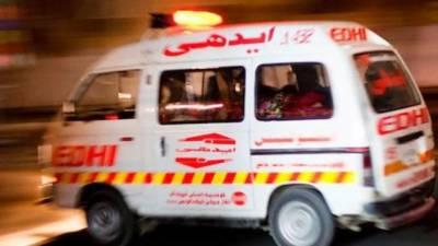شکارپور میں کاروں کے درمیان تصادم،8افراد جاں بحق