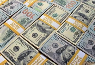 روپے کی ریکارڈ بے قدری؛ ڈالرملکی تاریخ کی بلند ترین سطح پرپہنچ گیا