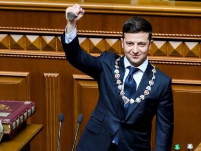 یوکرائنی صدر ولودومیر زیلینسکی نے حلف اٹھاتے ہی پارلیمنٹ تحلیل کردی