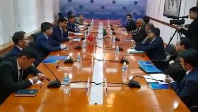 روسی وزیر خارجہ سے ملاقات میں تجارت، توانائی اوردفاع سمیت مختلف شعبوں میں تعاون بڑھانے پر اتفاق:وزیر خارجہ