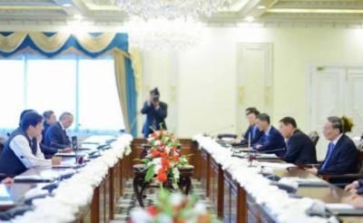 وزیراعظم اور چین کے نائب صدر کی ملاقات، مفاہمت کی یاد داشتوں پر دستخط