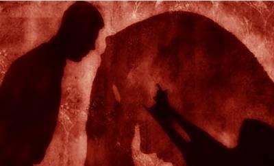 پولیس اہلکاروں کی لڑکی سے مبینہ زیادتی کے کیس میں ڈرامائی پیش رفت، متاثرہ طالبہ بیان سے منحرف