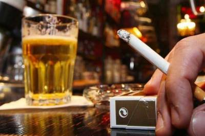 حکومت نے سگریٹ اورمشروبات پر ہیلتھ ٹیکس لگانے کی منظوری دے دی۔