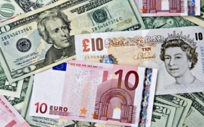 پاکستانی روپے کے مقابلے میں امریکی ڈالر کی قدر میں کمی