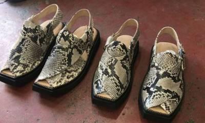 عمران خان عید پر امریکی سانپ کی کھال سے تیار کردہ چپل پہنیں گے