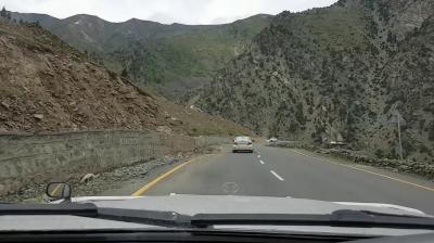 ناران چلاس شاہراہ بابو سر کے مقام پر کل سے چھوٹی گاڑیوں کی آمدورفت کیلئے کھول دی جائے گی