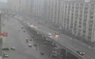 کراچی:تیز ہوائوں کے ساتھ بارش، موسم خوشگوار