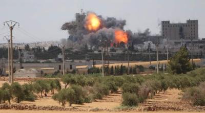 ادلب،سرکاری فورسز کے باغیوں کے زیر قبضہ علاقوں پر فضائی حملے