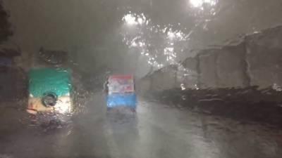 پنجاب میں آندھی اور بارش ،بچے سمیت 2افراد جاں بحق،16زخمی