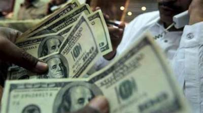 پاکستان میں امریکی ڈالر بے قابو ہوگیا۔ 2روپے 34پیسے مزید مہنگا ہوگیا۔