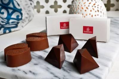 چاکلیٹ کا عالمی دن:ایمریٹس نے مسافروں کو 11 ملین سے زائد چاکلیٹس پیش کیں