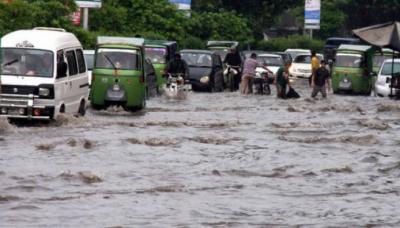پنجاب کے مختلف شہروں موسلادھار بارش، سڑکیں تالاب کا منظر پیش کرنے لگیں