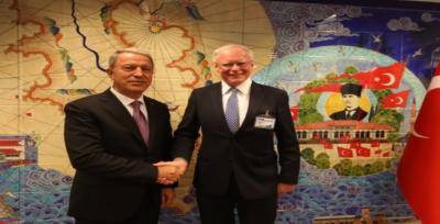 ترک وزیردفاع اور امریکی مندو ب کاشام کی تازہ ترین صورتحال پرتبادلہ خیال