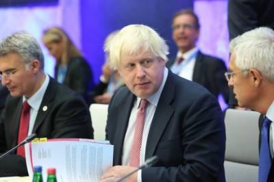 برطانوی کابینہ میں اکھاڑ پچھاڑ، تھریسامے دور کے کئی وزرا مستعفی یا عہدے تبدیل