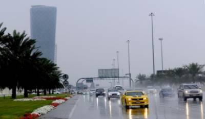 متحدہ عرب امارات میں تیز بارش، موسم خوشگوار