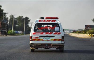 سی ویو کے قریب روڈ حادثےمیں 4 نوجوان جاں بحق