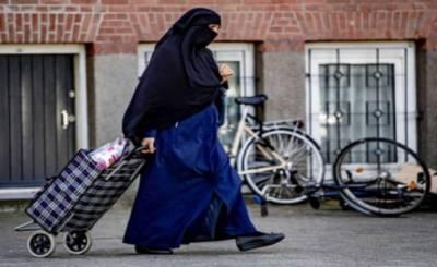 نیدرلینڈز میں نقاب سمیت کسی بھی چیز سے چہرہ ڈھانپنے پر پابندی عائد