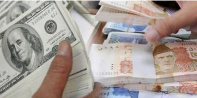 روپے کے مقابلے ڈالر کی قدر میں مسلسل کمی کا رجحان