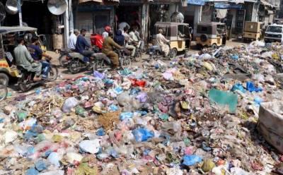 کراچی:کچرا اٹھانے کیلئے نجی ٹھیکیداروں نے جگہ بنانا شروع کردی