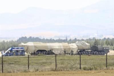 روس نے میزائل دفاعی نظام ایس -400 کی ایک اور بیٹری ترکی کے حوالے کردی