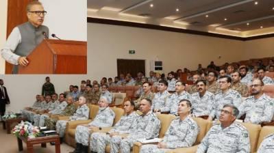 پاکستان کا دفاع محفوظ ہاتھوں میں ہے:صدر عارف علوی