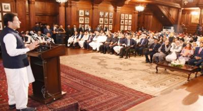 پاکستان دنیا بھرکےسکھ یاتریوں کو ویزاحصول میں سہولت فراہم کریگا،وزیراعظم