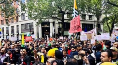 لندن میں ہزاروں کشمیریوں اور ان سے ہمدردی رکھنے والوں نے مقبوضہ کشمیر کے مظلوم عوام کے ساتھ اظہار یکجہتی کیلئے مارچ کیا