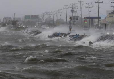 سمندری طوفان ڈورین کی شدت پھر بڑھ کر کیٹیگری2 سے 3 ہوگئی
