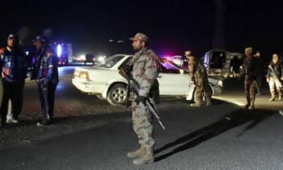 کوئٹہ: یکے بعدیگرے 2دھما کوں میں ایک شخص جاں بحق جبکہ پولیس اہلکاروں ،صحافیوں سمیت 10افراد زخمی ہوگئے