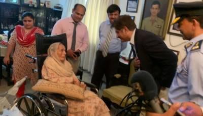 وزیراعلیٰ سندھ کی شہید راشد منہاس کے گھر آمد