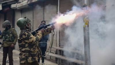 مقبوضہ کشمیر میں بھارتی لاک ڈاؤن کا 35 واں روز، محرم کے جلوس پر شیلنگ سے متعدد زخمی